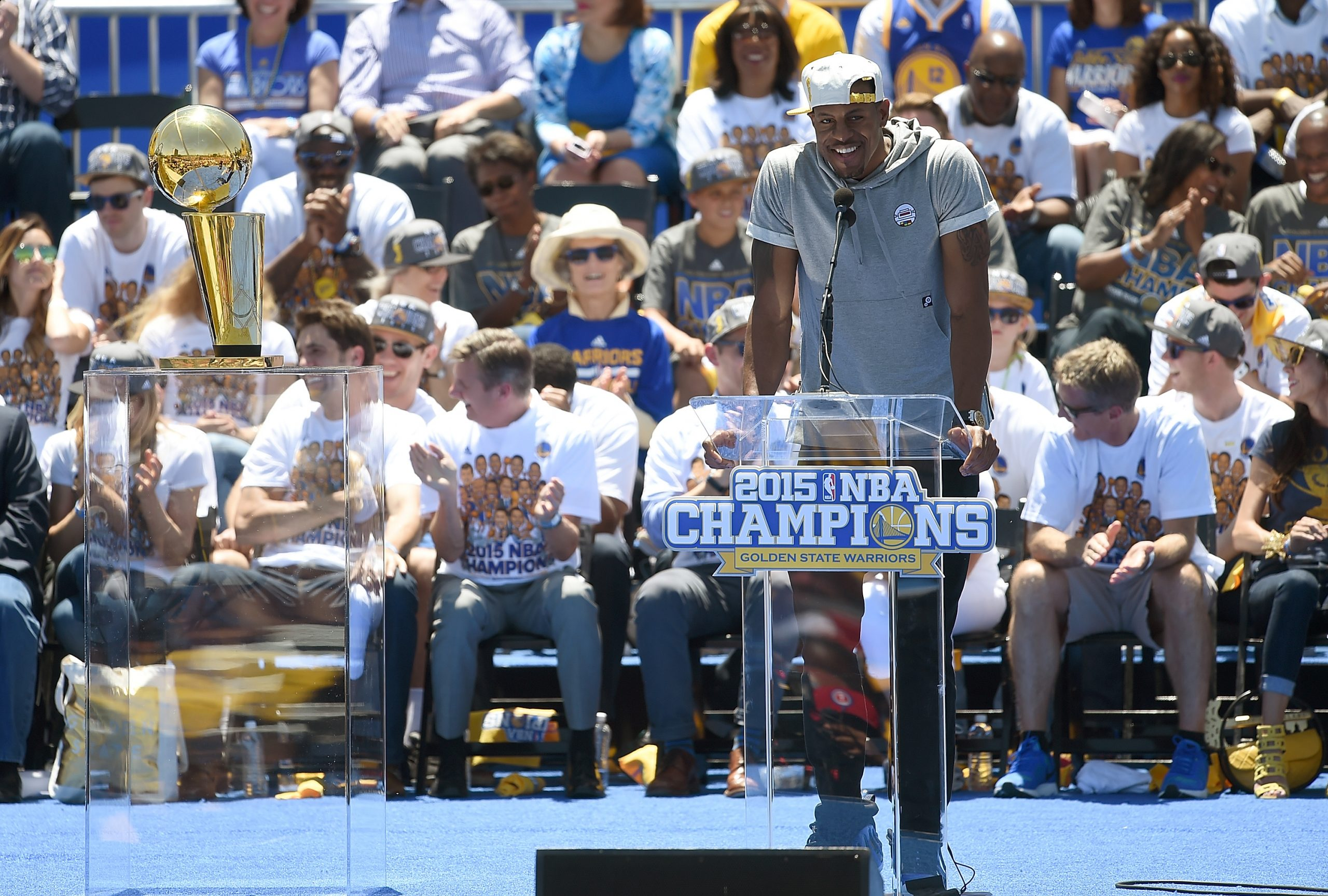 Andre Iguodala Signs Deal to Rejoin the Golden State Warriors