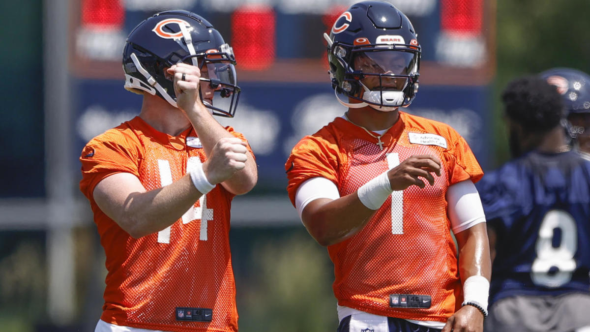 Andy Dalton understands the Justin Fields hype from Bears fans but says 'right now, it's my time'