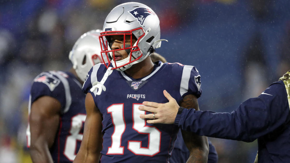 Patriots' N'Keal Harry has no structural damage to shoulder, receiver considered week to week, per report