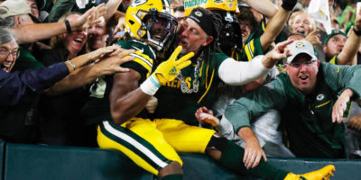 Aaron Jones honors late father by becoming first player with 4 TDs on 'Monday Night Football' since 2000