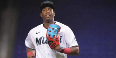 LOOK: Marlins' Jesús Sánchez makes wild barehanded catch, draws famous comparison from Don Mattingly