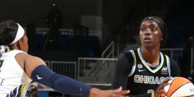 WNBA: Candace Parker, Chicago Sky advance to second round