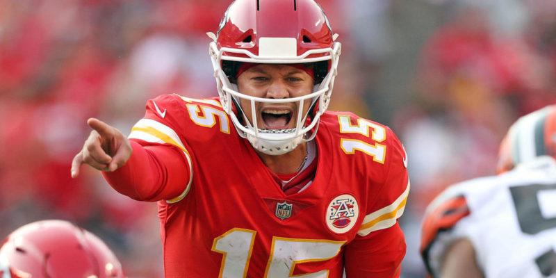 Chiefs vs. Bills odds, line, spread: Sunday Night Football picks, predictions from model on 124-82 run
