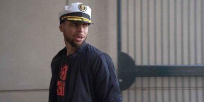 Steph Curry wears Brandon Belt captain's hat to Giants-Dodgers