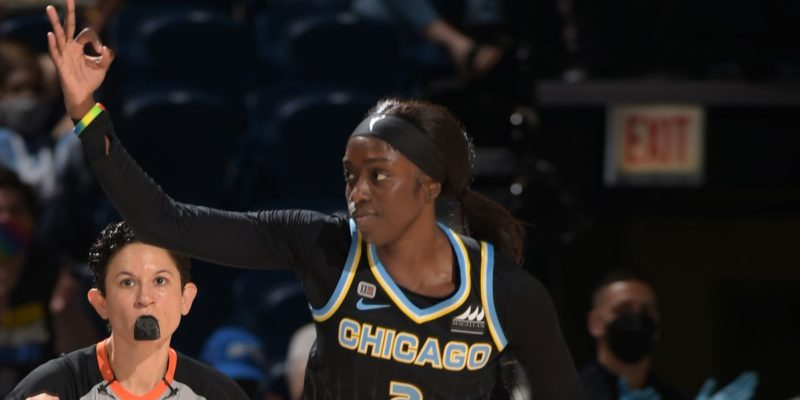 WNBA Playoffs: Chicago Sky win semifinals Game 3 over Connecticut Sun